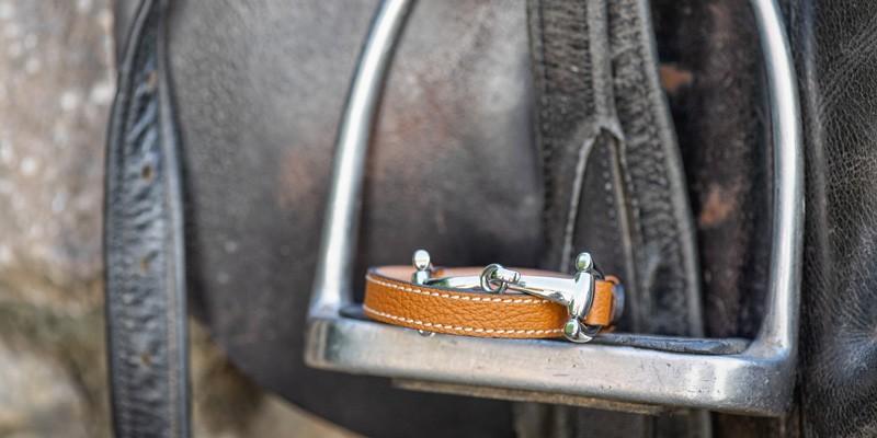 Exklusive Pferdegeschenke: Kleidung & Accessoires